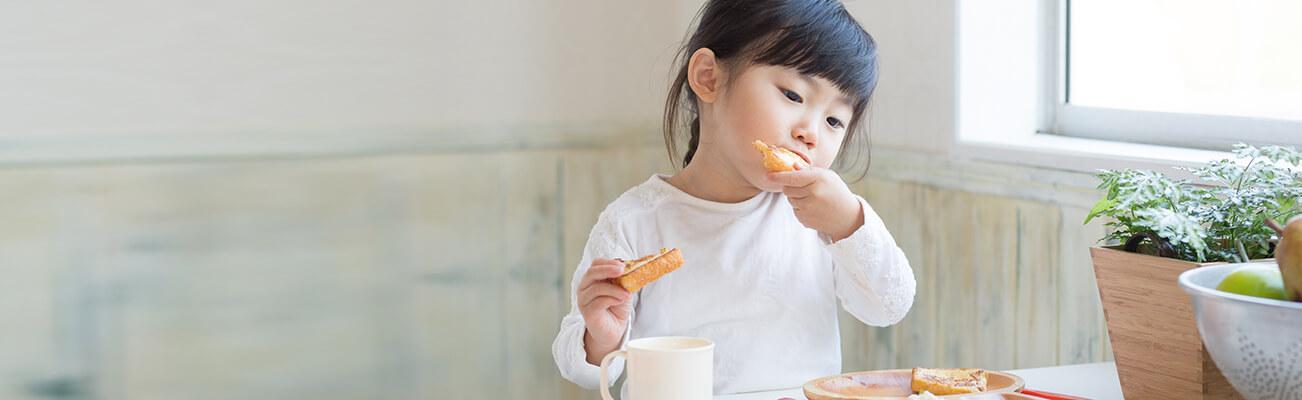 Chế độ dinh dưỡng cho bé 3-5 tháng tuổi