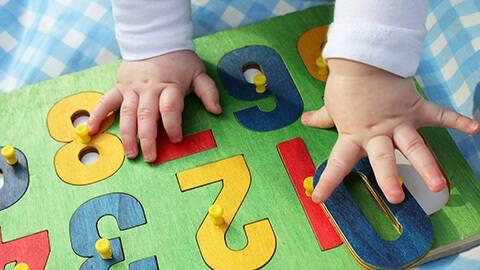 Phương pháp tác động giúp phát triển trí não cho trẻ 16-18 tháng tuổi