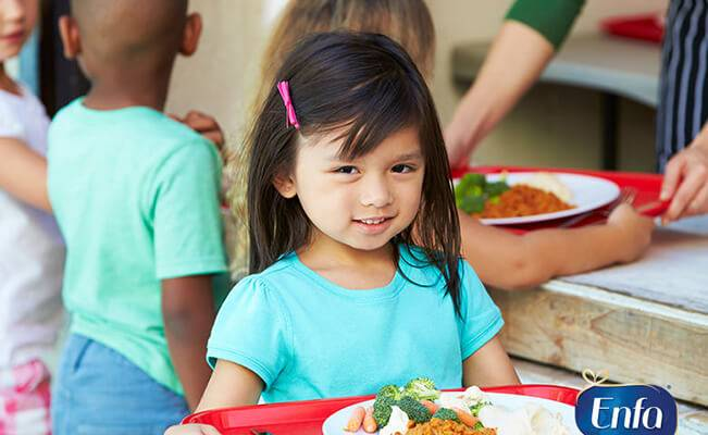 8 loại thực phẩm giúp con phát triển toàn diện tại cột mốc 4