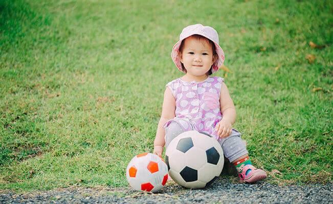 Những câu hỏi thường gặp về sự phát triển của trẻ 16-18 tháng tuổi