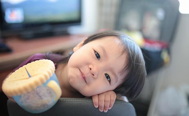 Những cột mốc phát triển của trẻ 12 tháng tuổi