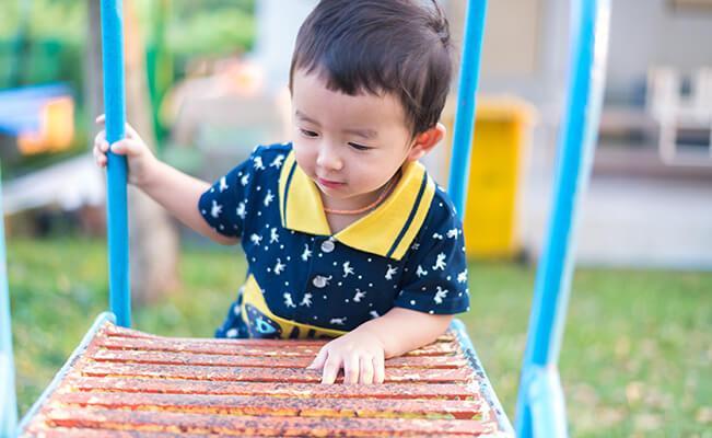 Những cột mốc phát triển của trẻ 2-3 tuổi