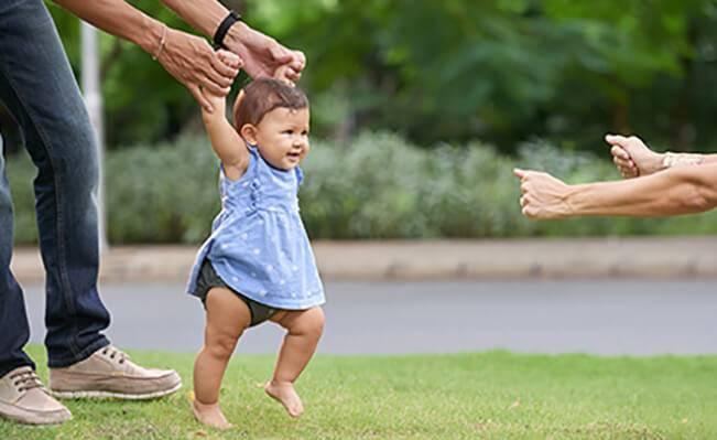 Những cột mốc phát triển của trẻ trên 9 tháng tuổi
